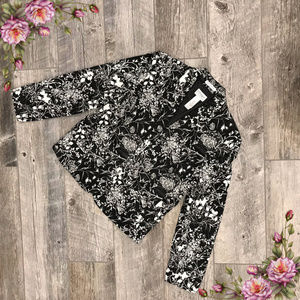 MAKE AN OFFER ;) Plus size floral blazer
